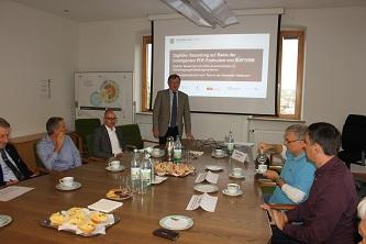 Die Fachleute im Gespräch, v.l.: Herr Jander, Herr Krappel, Herr Ostwald, Herr Fiederling, Herr Pabst und Herr Agne