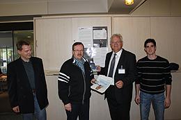 Von links: Peter Ring (Stadtverwaltung Lahnstein), Manfred Pöpping (Leiter des Servicecenters), Hans Peter Göderz (SiXFORM GmbH) und Patrick Reiss (Mitarbeiter des städtischen Servicecenters)